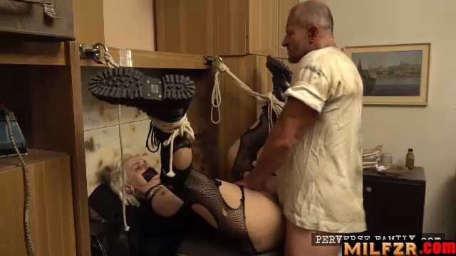 Slutty Blonde Gets Perverse Family 1