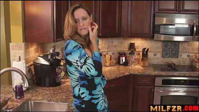 Fucking mother in kitchen